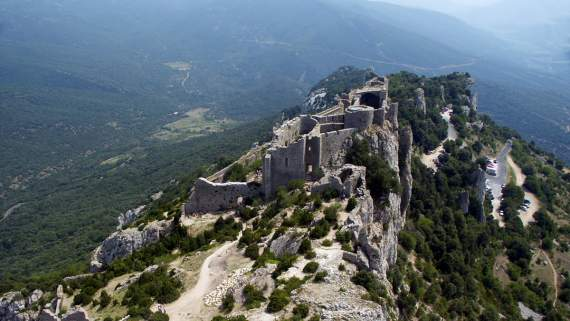 Following the footsteps of the Cathars