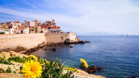 Yoga holiday on the French Riviera